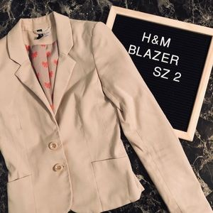 Adorable H&M Blazer ❤️